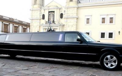 Limousine Tiffany Luxor Mercedes Benz Negra